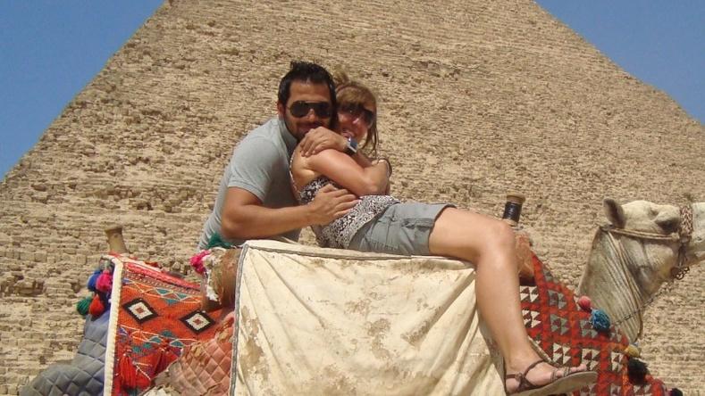 """""""Хуурамч хайрын төлөөс"""" - Царайлаг араб эрд дурлаад 50 мянган долларын өрөнд орсон бүсгүй"""