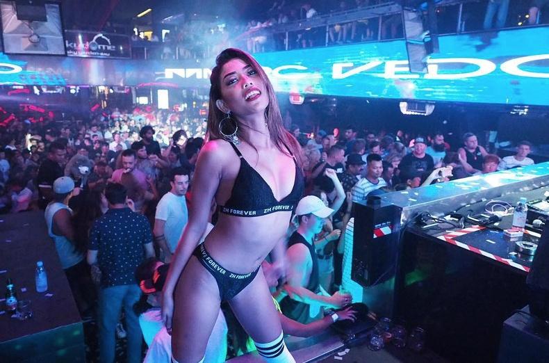 Жуулчид яагаад Азид очих дуртай вэ?