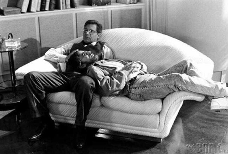 Харрисон Форд (Harrison Ford), Стивен Спилберг (Steven Spielberg) нар амарч байгаа нь - 1989 он