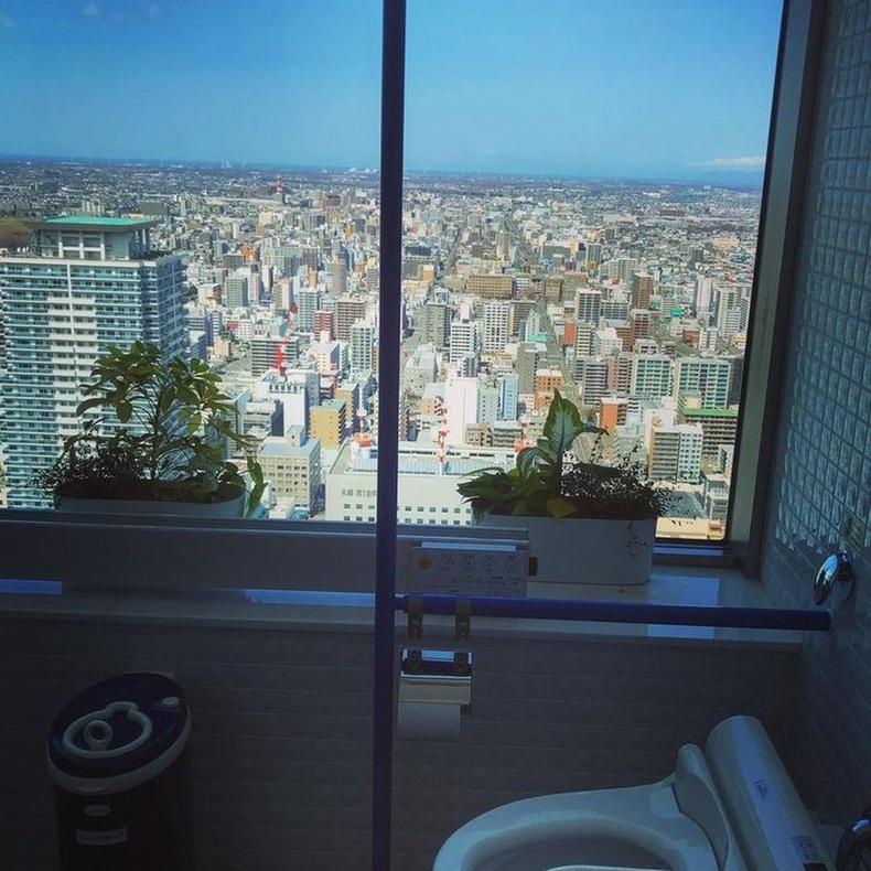 Япон улсын Саппоро, JR Tower цамхагийн бие засах газраас