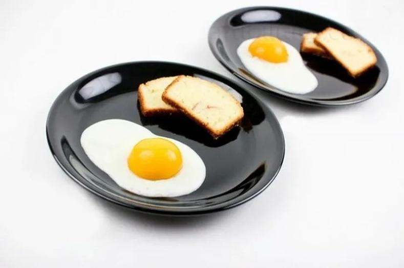 Нүдэлж шарсан өндөг