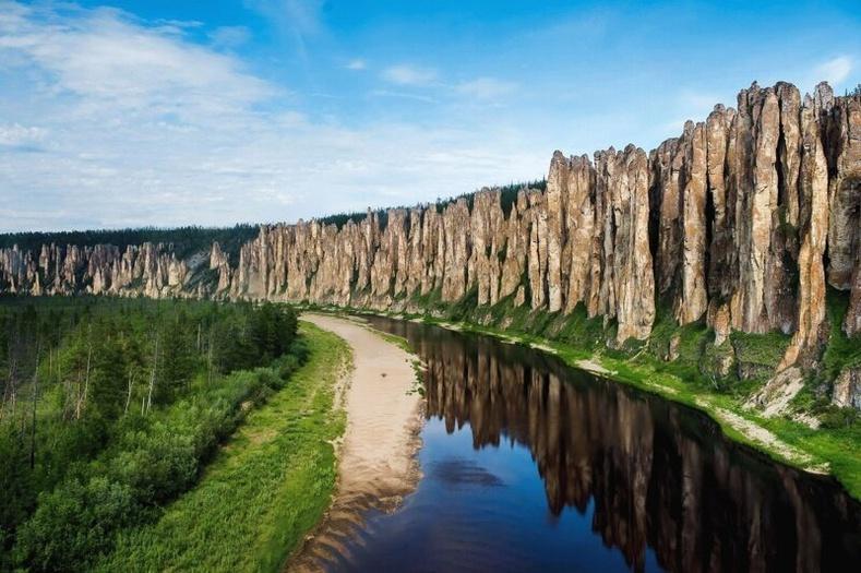 Лена багана, Орос