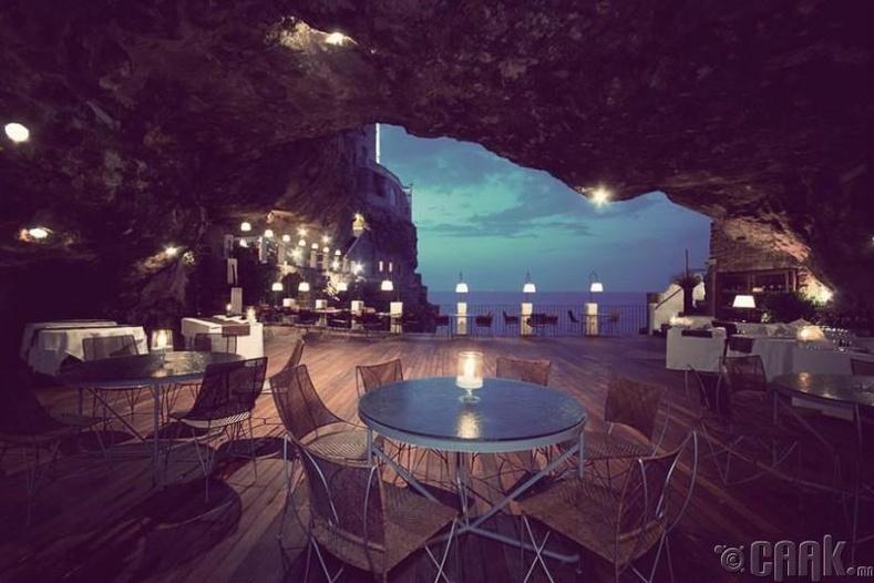 """""""Grotta Palazzese"""" ресторан, Итали"""