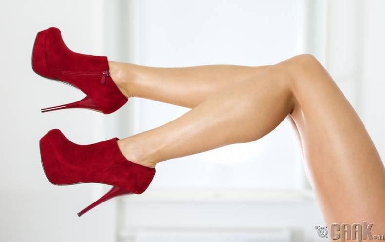 Өндөр өсгийт үү, намхан ултай гутал уу?