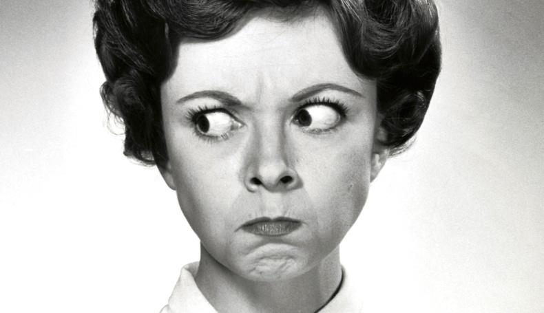 Дурласан бүсгүйн өөрийн мэдэлгүй хийдэг 5 үйлдэл