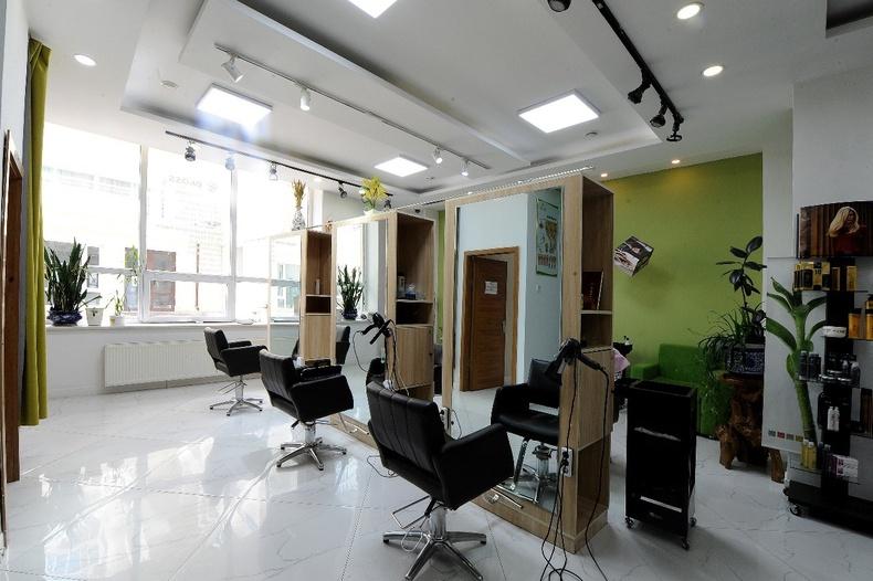 Байгалийн цэвэр халгайн эмчилгээгээр олонд танигдсан ekoss hair clinic