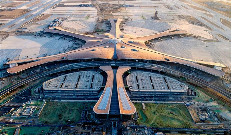 Бээжинд баригдсан дэлхийн хамгийн том нисэх буудалтай танилц!