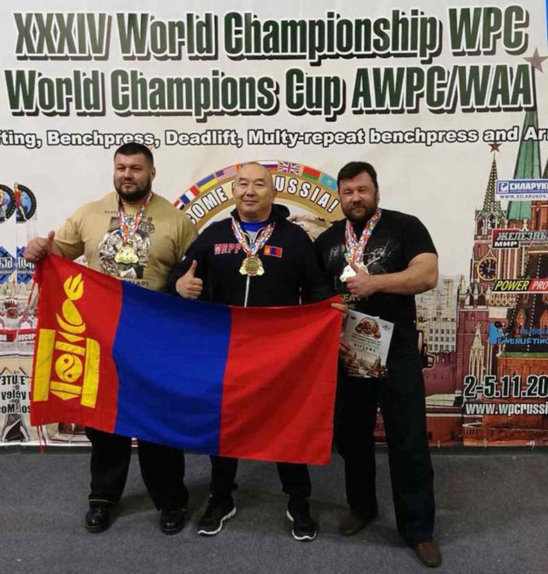 П.Моломжамц Powerlifting буюу  Хүчний 3-н төрлийн Дэлхийн хошой аварга боллоо