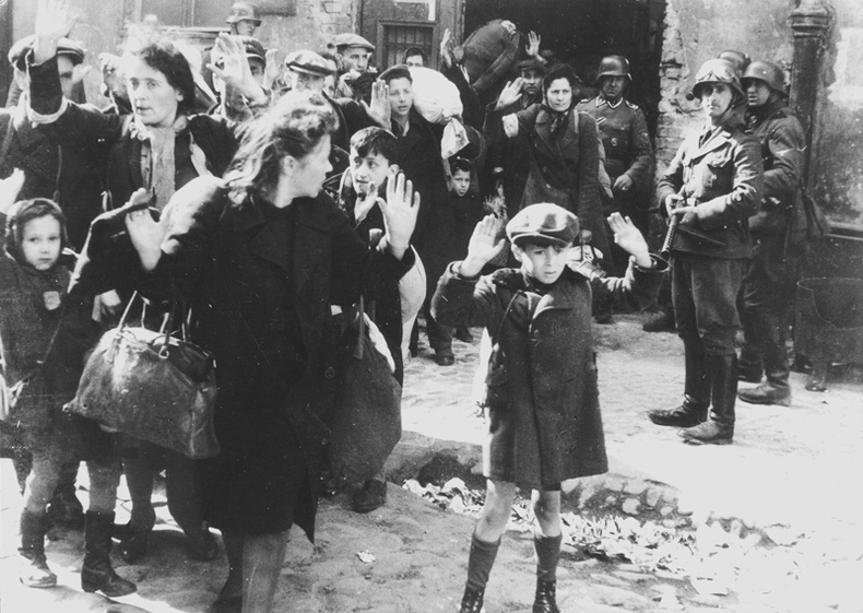Еврейн хорих лагерт ажиллаж байсан эмэгтэйн аймшигт тэмдэглэл