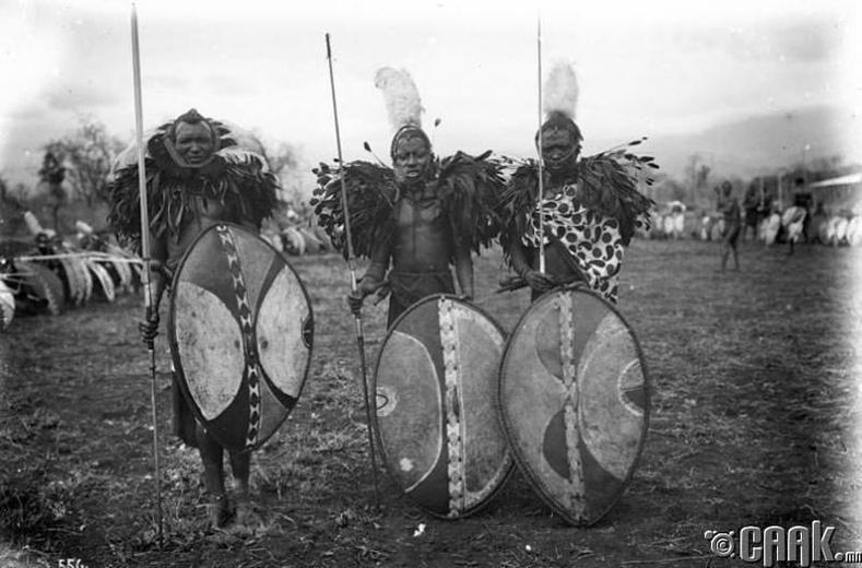 Хөршөө сүрдүүлэх масаи