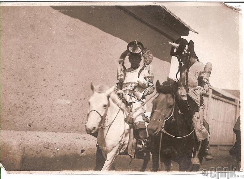 Хүрээ бүсгүйчүүд - 1914 он