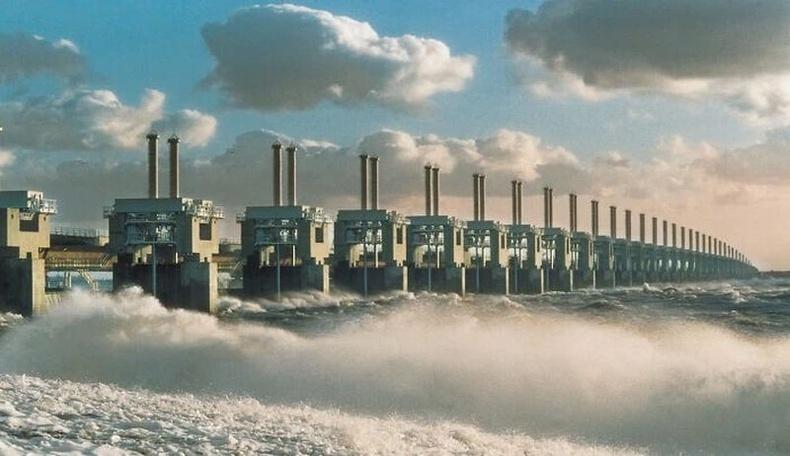 Орчин үеийн ертөнцийн долоон гайхамшгийн нэгт тооцогддог, дэлхийн хамгийн том үерийн хамгаалалт, Нидерланд