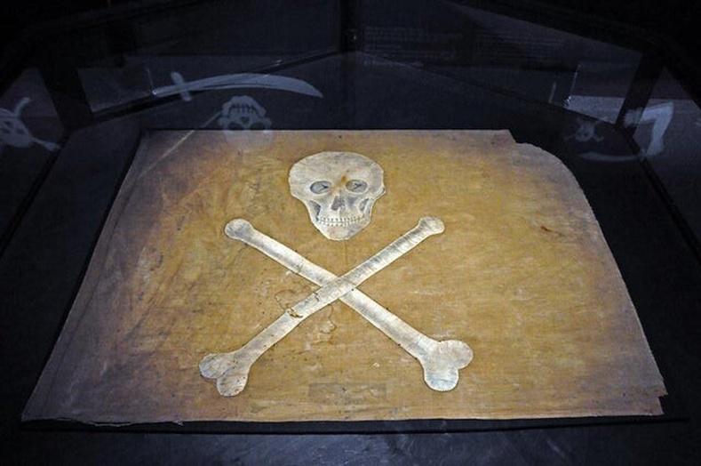 19-р зууны үеийн далайн дээрэмчдийн туг
