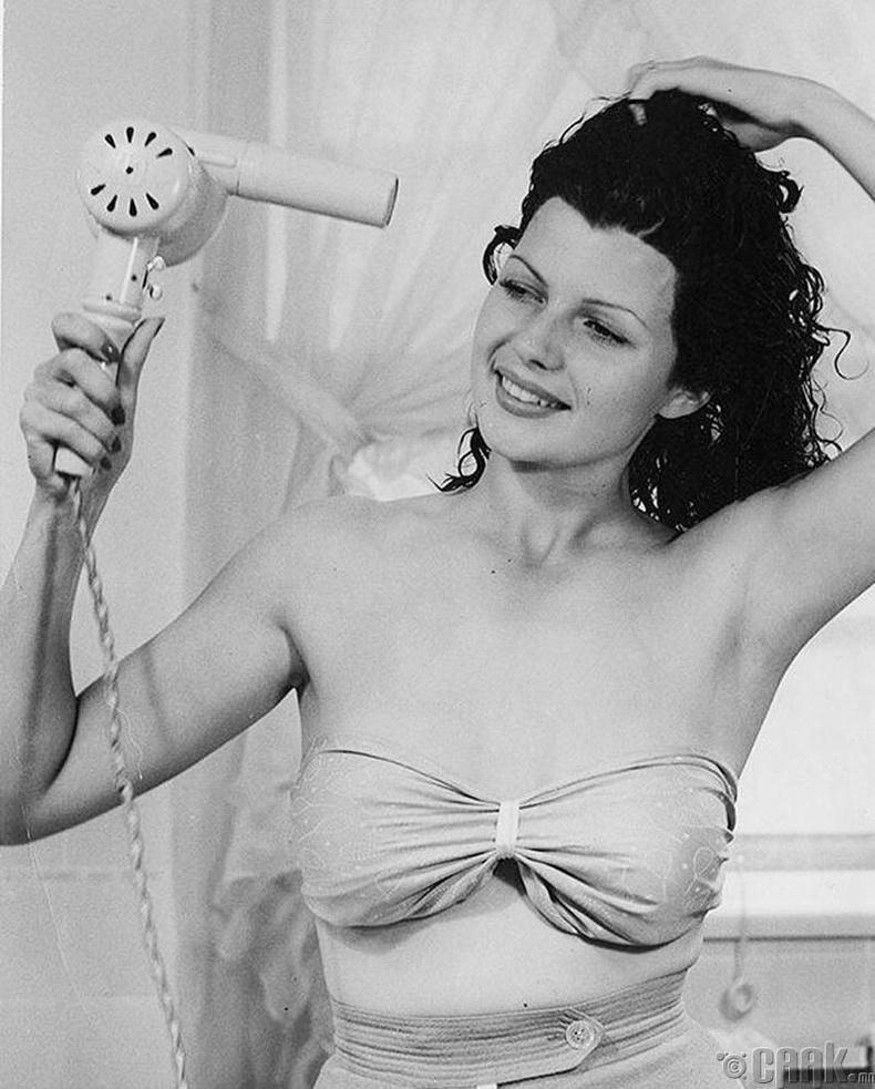 Рита Хэйворт, 1939 он
