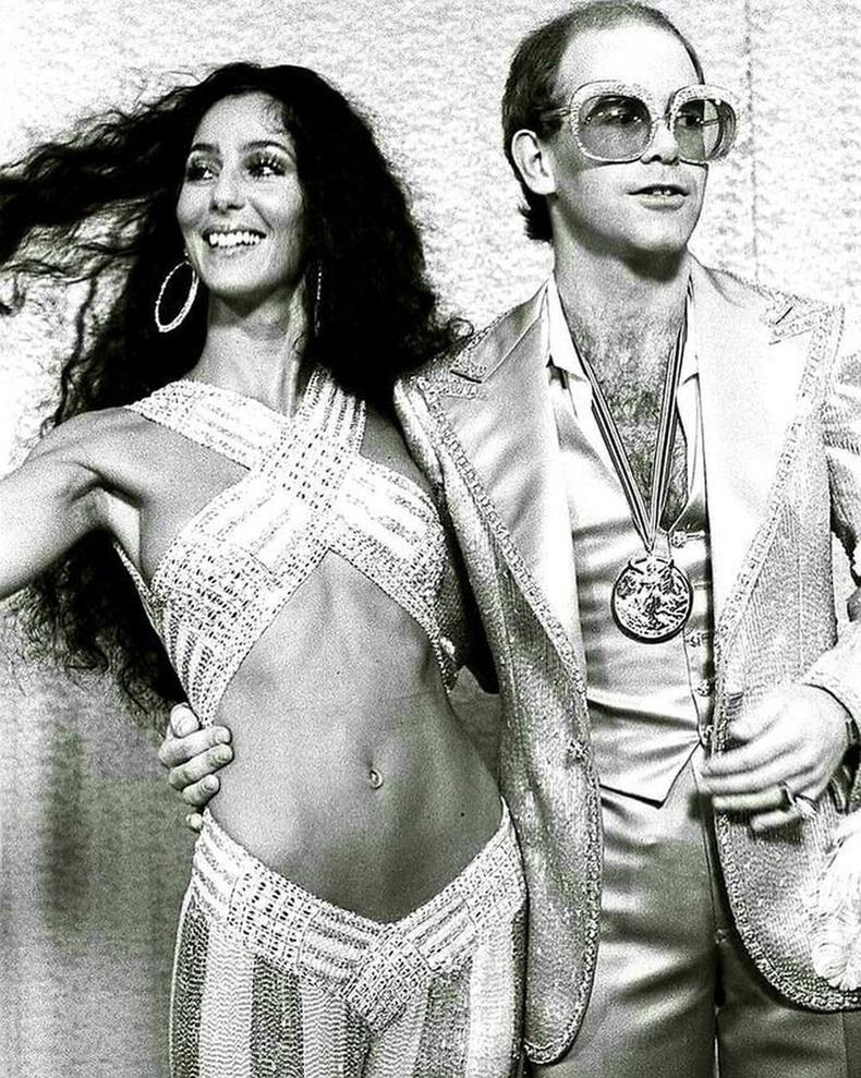 """Шер, Элтон Жон нар""""Rock Music Awards""""-ын үеэр, 1975 он"""