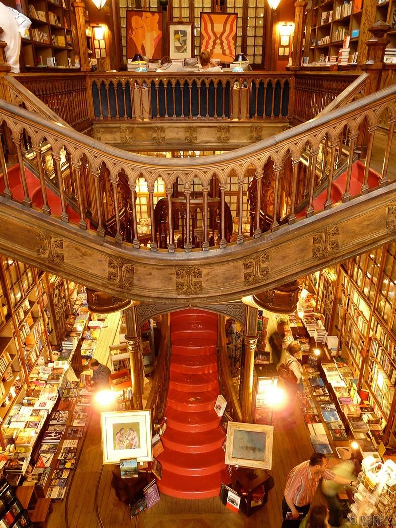 Lello & Sons номын дэлгүүр, Порту, Португали