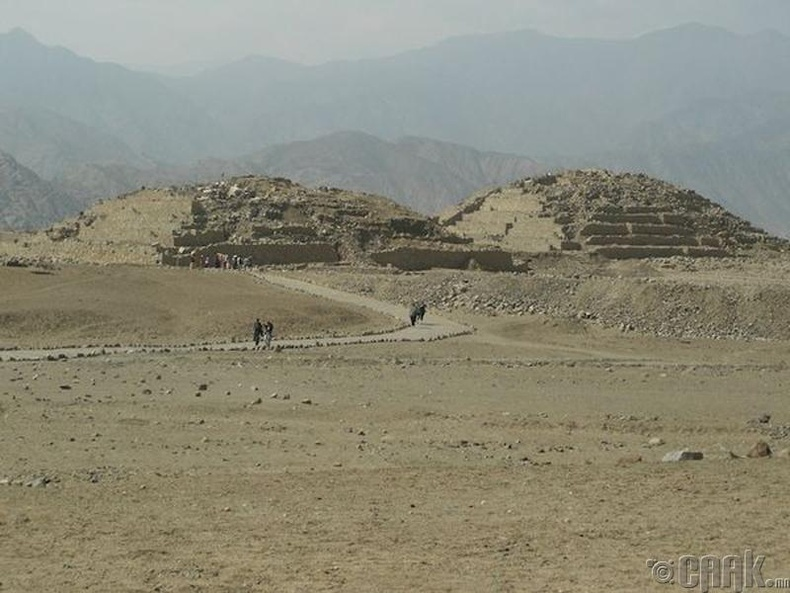 Карал, Перу