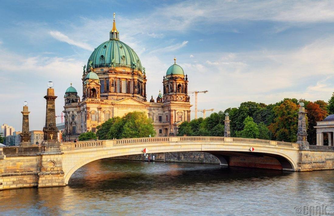 Берлин, Герман - 181.04 доллар