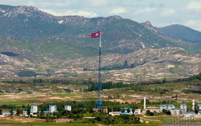 Өмнөд Солонгостой хиллэдэг хэсэгтээ хуурамч хоттой