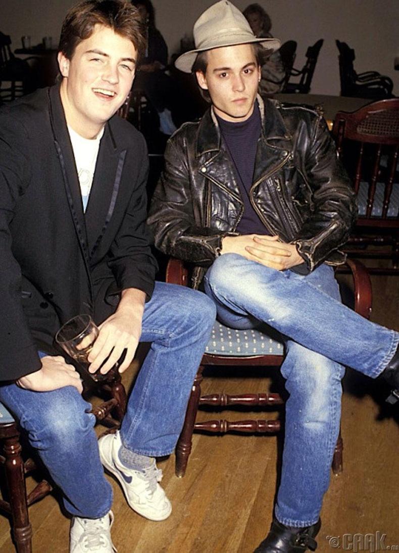 18 настай жүжигчин Матью Перри (Matthew Perry), 24 настай Жонни Депп (Johnny Depp) нар, 1987 он