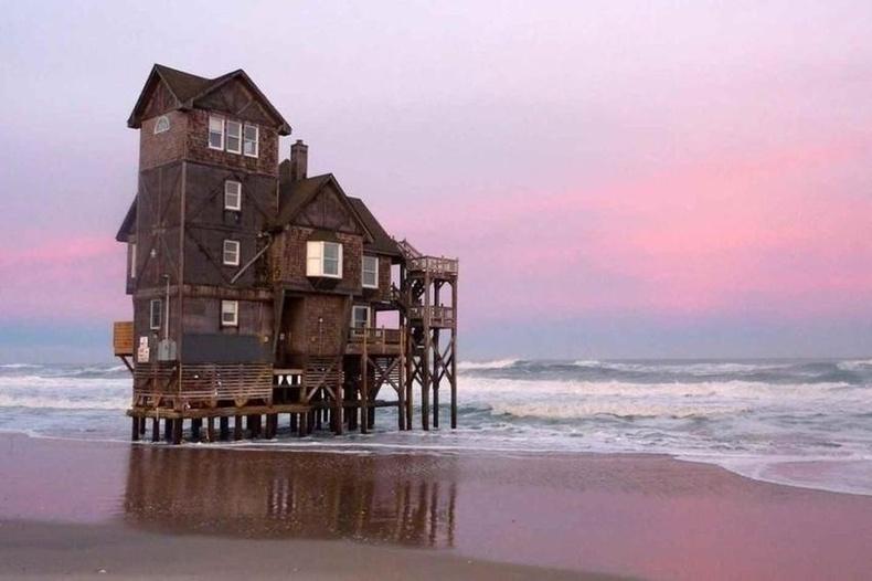 Хойд Каролина дахь орхигдсон байшин