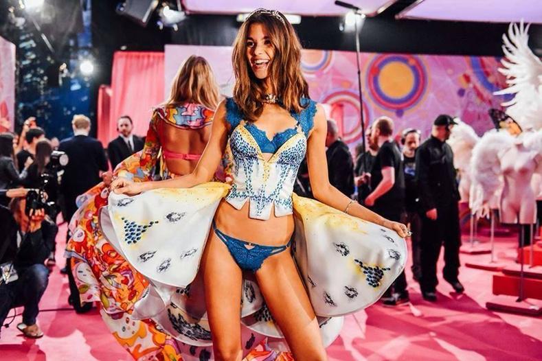 """Victoria's Secret-2015"" шоуны тайзны ард"