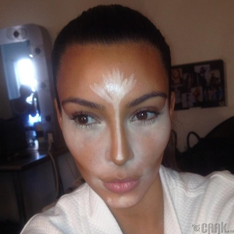 Ким Кардашиан - Гэрэл сүүдэр тавих