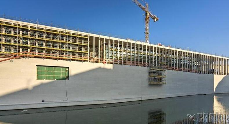 Арванхоёрдугаар сар: Берлин (Berlin)
