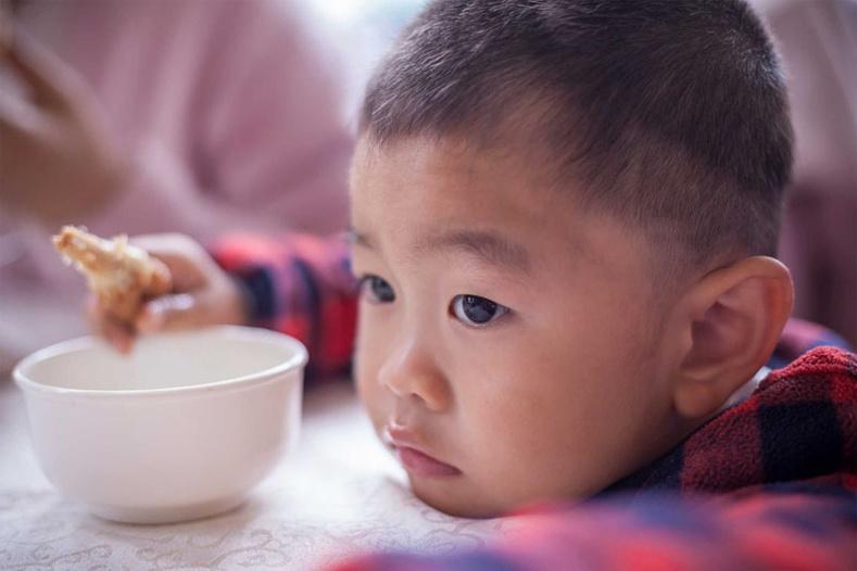 Айлын ганц хүүхэд итгэмтгий биш, аливаад төвлөрч чаддаггүй, өрсөлдөмтгий байдаг