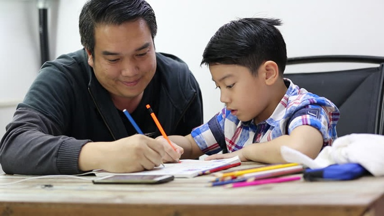 Хүүхэдтэйгээ хамт гэрийн даалгаврыг нь хийх чухал уу?