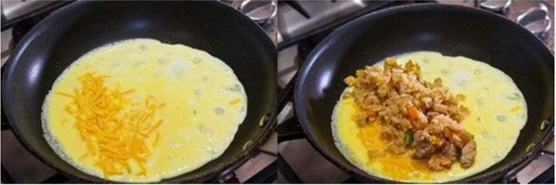 3 хоолны халбага бяслаг нэг талд нь тавиад дээрээс нь үндсэн холимогоо нэмж өгнө