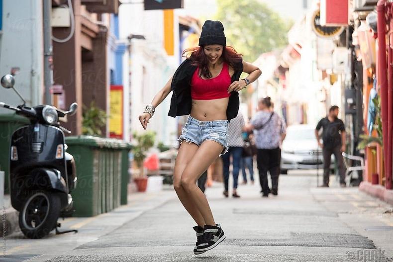 Швед - Гудамжинд бүжиглэх