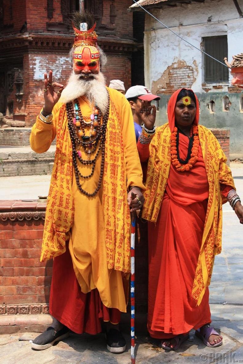 Иргэдийн олонх нь Хинду шашинтай боловч Буддын шашин болон орон нутгийн шинжтэй сүсэг бишрэлүүд энд хүчтэй.