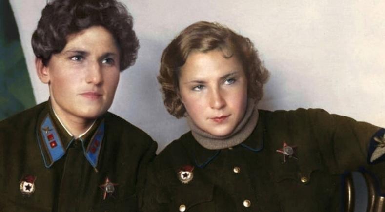 Сайн найзууд болох Екатерина Буданова, Лидия Литвяк нар дэлхийн 2-р дайны шилдэг нисгэгчид байв.Хамтдаа Германы 23 онгоцыг сөнөөсөн ч харамсалтай нь хоёул тулааны үед амиа алдсан юм
