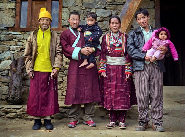 Төвдийн олон нөхөртэй байх ёс