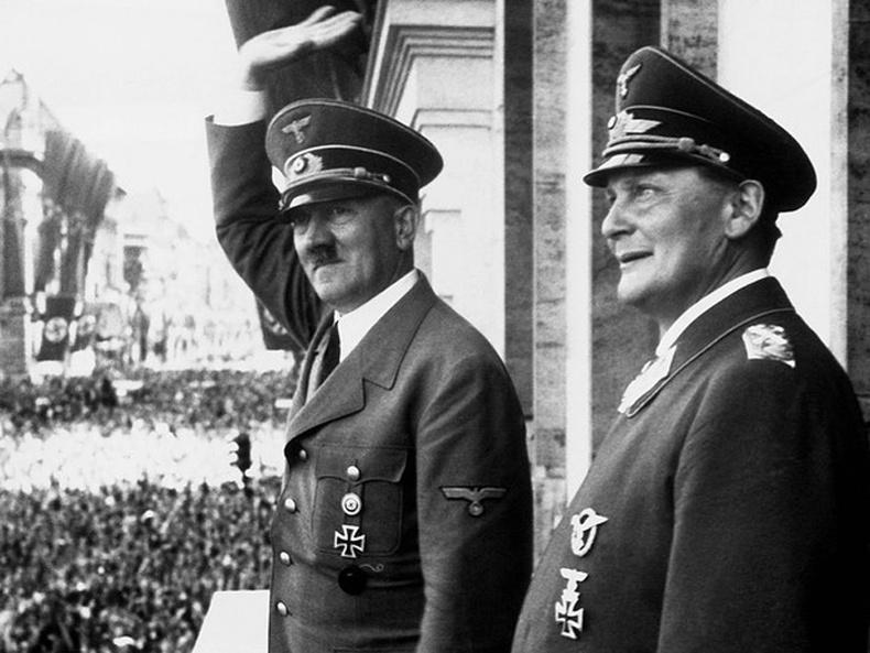 Адольф Гитлер болон Нацистууд