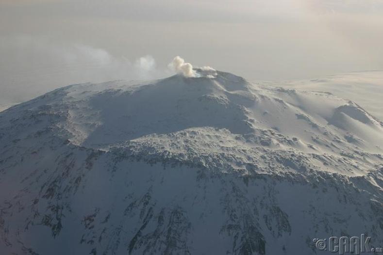 Мөсөн доорх 91 галт уул