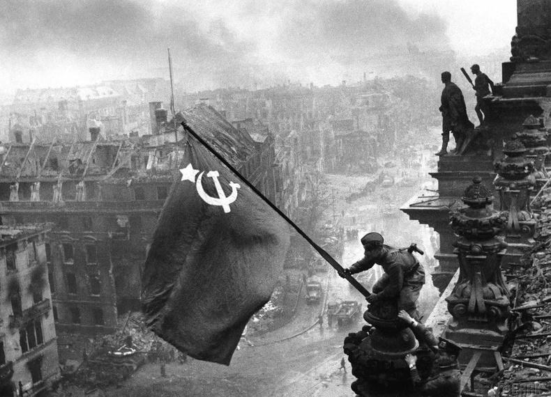 Берлиний тулалдаан, 1945 он (1.3 сая хүн амиа алдсан)
