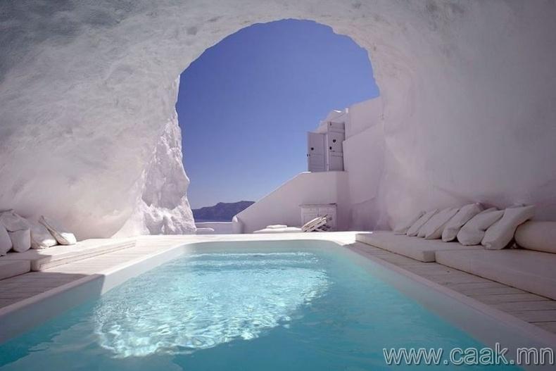 Грекийн агуйн усан сан.