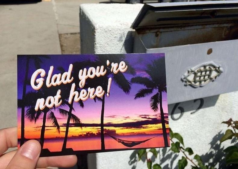 Аяллаар явсан хуучин найз бүсгүй нь ийм ил захидал илгээсэн байна.