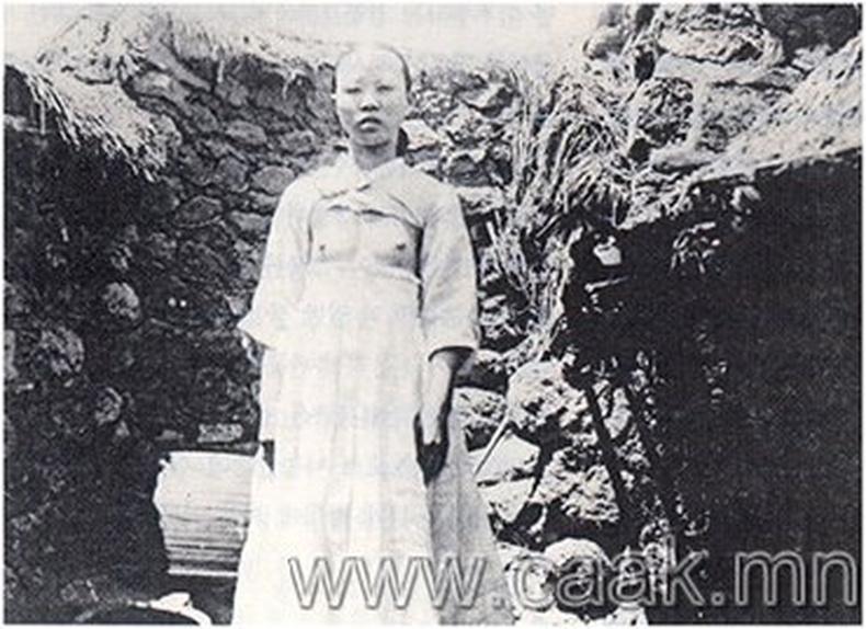 Солонгос эмэгтэйчvvд 100 жилийн ємнє