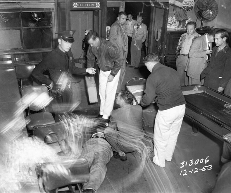 Амьд үлдсэн хохирогч, 1953