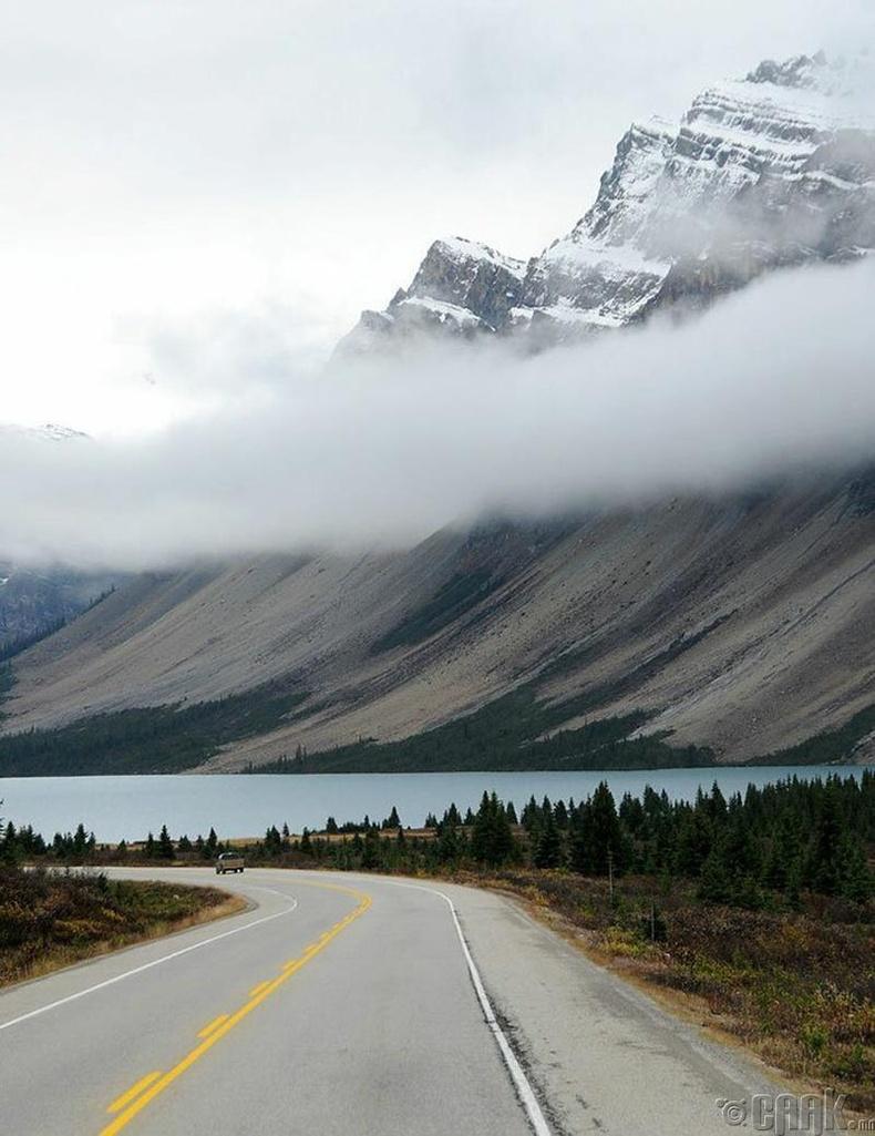 """""""Канадын Банф үндэсний цэцэрлэгт хүрээлэн дэх нуурын үзэсгэлэн"""""""