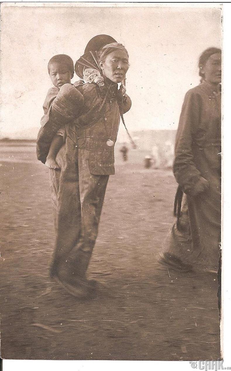 Монгол эхнэр - 1925 он