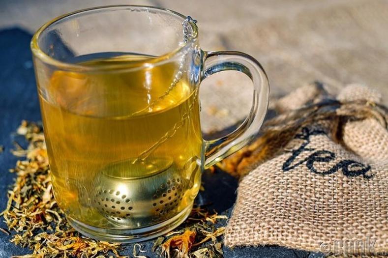 Халуун ногоотой цай