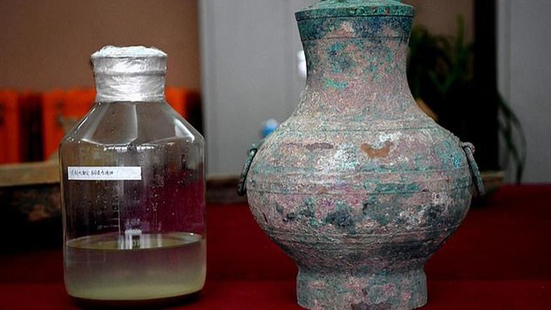 """Хятадын хаадын хэрэглэж байсан """"мөнхийн ус""""-ны үлдэгдэл олджээ"""