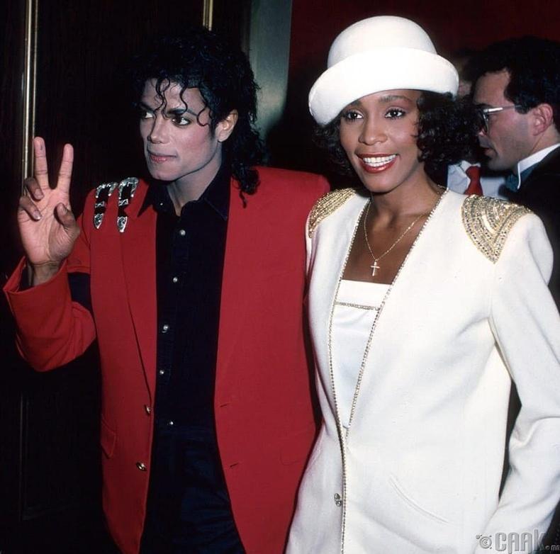 Майкл Жексон болон Уитни Хьюстон нараас ярилцлага авсан