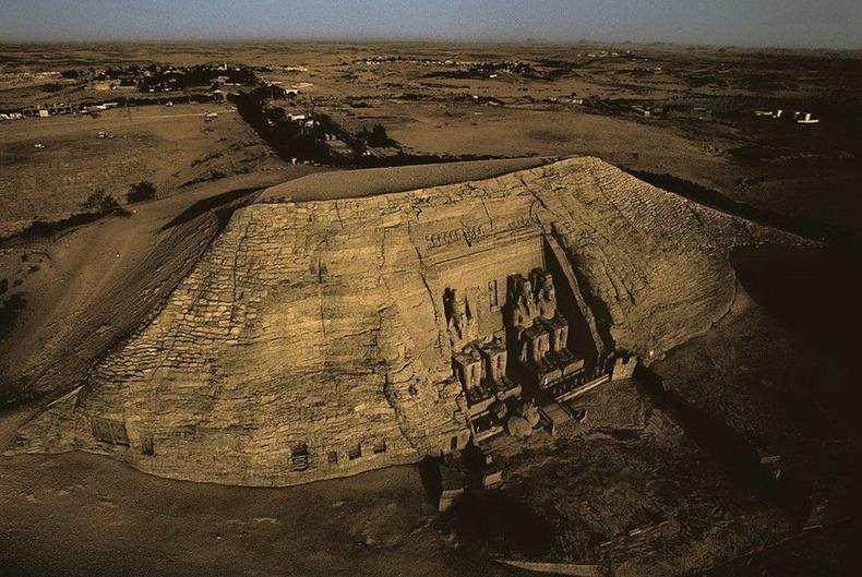 2-р Рамзесийн бунхан - Египет
