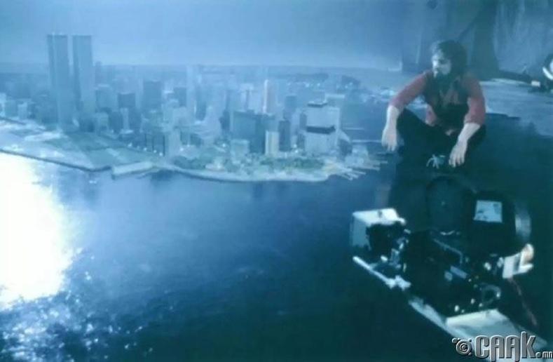 """""""Нью-Йоркоос зугтсан нь"""" (Escape From New York)"""