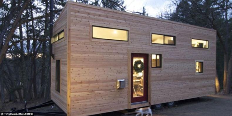 Илүүдэл, хэрэггүй зүйлээсээ салж энгийн бяцхан байшинтай болцгооё